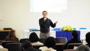 O palestrante convidado para apresentar o projeto de discussão foi o Dr. Mauro Rabelo.