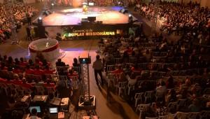 Durante o evento, duplas missionárias são motivadas.