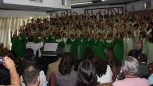 Coral infanto juvenil participa de evento de meio ambiente da Infraero.