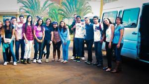 Estudantes brasileiros dedicam as férias para voluntariado do Paraguai.