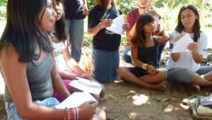 Diariamente os voluntários visitam as aldeias ouvindo e atendendo os moradores.
