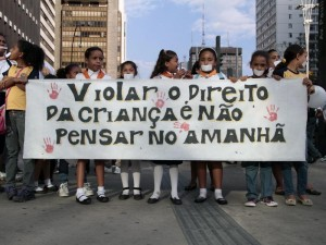 Dia D do Quebrando o Silêncio reúne mais de duas mil pessoas na Paulista
