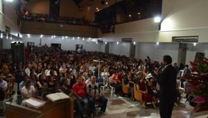 Mais de 1200 pessoas lotam igreja Central de Campinas em evento da Novo Tempo.