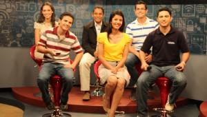 Jovens interagem ao vivo durante a programação.