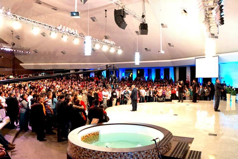 Mais de 540 pessoas atenderam ao apelo do pr.Bullón