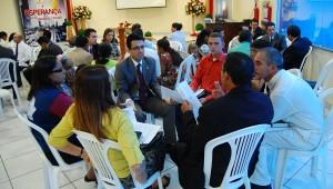 Em grupos, líderes discutiram estratégias para alcançar pessoas em centros urbanos