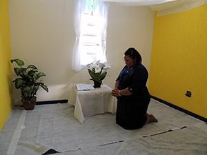 Salas foram transformadas em Câmaras de Oração
