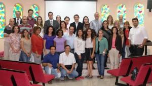 O curso conta com 12 professores, 20 mestrandos e 2 alunos especiais.