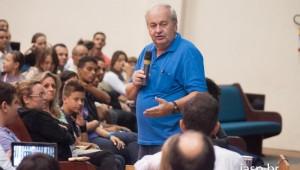 O professor Pier faz palestras em todo o Brasil e tem a autoria de quatro livros.