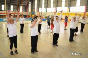 Grupo Feliz Idade motiva idosas com atividade física