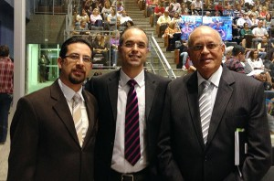 Pr. Sergio Santeli, Dr. Nemias Martins e Pr. Paulo Korkischko em sessão solene em SBC.