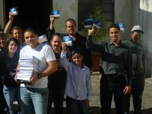 Membros de Santana do Livramento e Rivera (URU) juntaram esforços na entrega de livros e DVDs missionários.