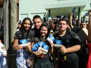 Além dos membros das igrejas de Vila Santo Antonio, interessados pela palavra de Deus também colaboraram com ação evangelística