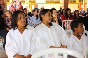 Esq. para dir.: Poliana, Apoliene e Renan da Silva, primeiros adventistas batizados da cidade de Gameleira de Goiás.