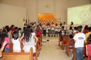 Um carrossel de brincadeiras e atividades apresenta o trabalho dos missionários aos pequenos brasilienses.