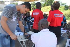 Atendimento: no primeiro dia mais de 90 haitianos foram beneficiados.