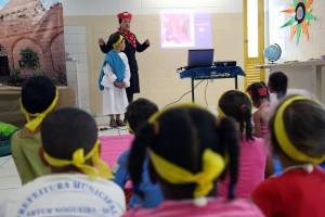 A cada dia, um personagem bíblico servia de exemplo na Escola Cristã de Férias