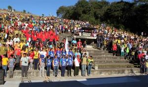 Desbravadores reunidos na arena em São Roque
