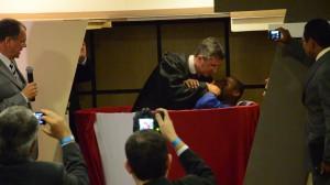 """Batismo de Carlos Bispo de Jesus Filho, que conheceu a mensagem ao receber o livro """"A Grande Esperança""""."""