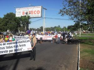 Passeata mobilizou centenas de adventistas e amigos da igreja em prol da campanha Quebrando o Silêncio.