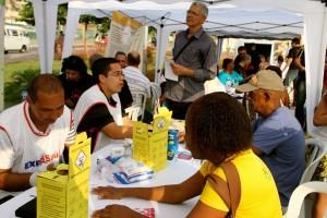 Médicos e profissionais da saúde ofereceram atendimento à comunidade