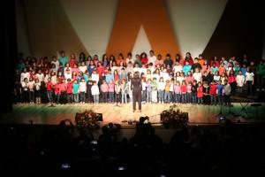 Cerca de 200 coristas mirins lançaram seu primeiro CD, intitulado Príncipe Menino.
