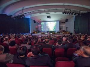Mais de cem pessoas assistiram à superprodução que evidencia ato da criação bíblica