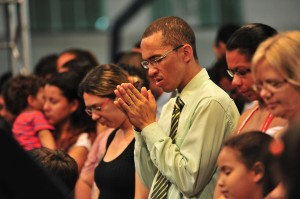 Batismos e decisões por estudos da Bíblia marcaram ação em grande cidade paulista