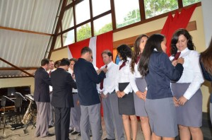 O Clube de Jovens, Mensageiros da Montanha, realiza projetos sociais.