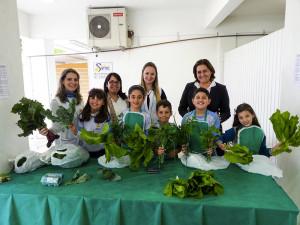 Alunos-vendem-hortalicas-e-legumes-para-ajudar-pessoas-carentes-no-Natal