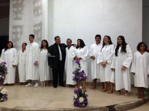 Fieis-sao-batizados-em-templo-de-Gameleira-de-Goias