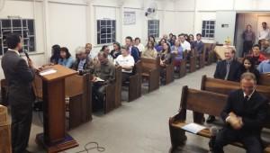 Servidores adventistas envolvidos com a Semana Santa.