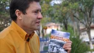 Após a leitura, Toninho distribuiu mais livros entre os amigos. O resultado disto foi a inauguração da igreja em Linha Pinhão.