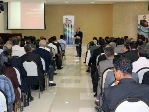 Os momentos de palestras são fundamentais para o fortalecimento espiritual dos participantes