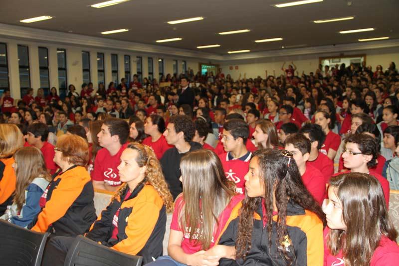 Cerca de 700 alunos foram selecionados