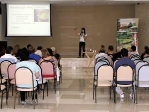 Momento de palestras durante o curso