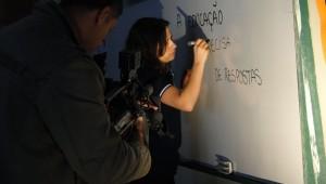 Exemplo de educadora, que valoriza estudantes, chamou a atenção da mídia