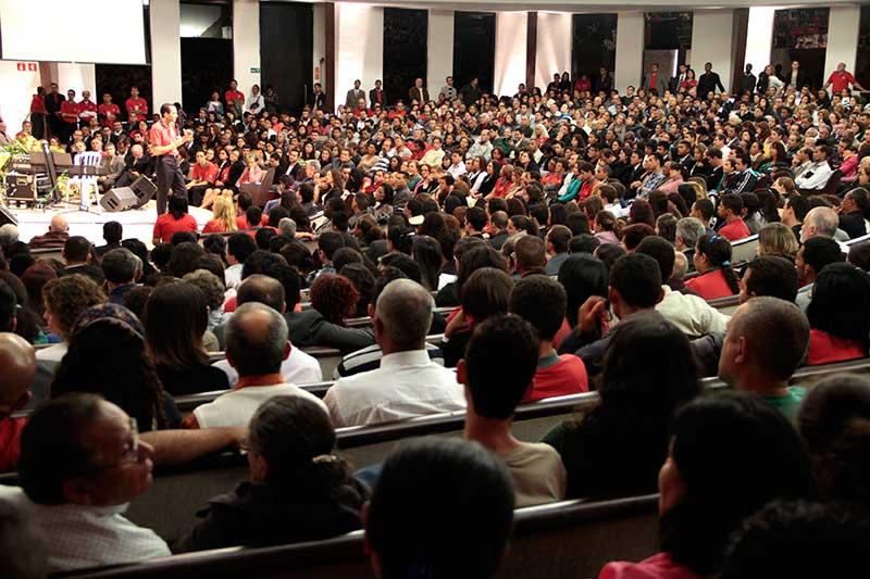 Igreja do UNASP recebendo os líderes do Ministério Pessoal