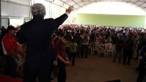 Aproximadamente três mil pessoas de toda a Marabá e proximidades lotaram o auditório para ouvirem a Palavra de Deus.