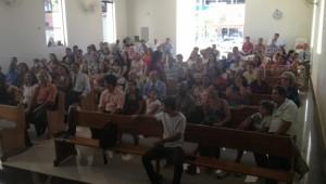 Na igreja, adventistas festejam o canal aberto da TV Novo Tempo da cidade.