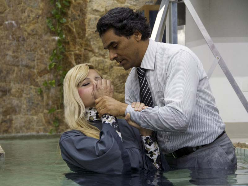 Momento que marca a entrega de vida para Jesus: batismo