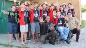 O prefeito aceitou estudar a bíblia com os jovens Calebes de Pelotos depois de visita missionária