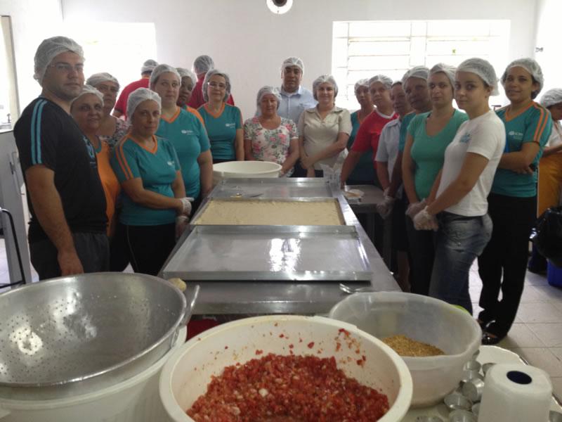 Equipe dos núcleos da ADRA Paulistana participando da capacitação sobre padaria artesanal