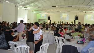 A ideia era um casal adventista levando outro, amigos da igreja, para participar da programação.