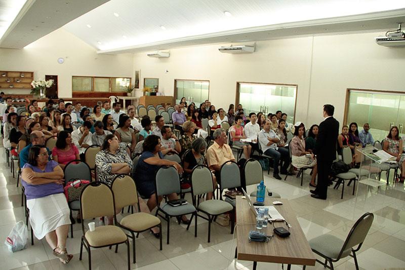 Lideres de saúde reunidos no CT de Cotia