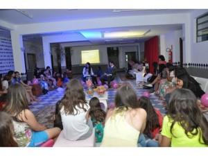 Evento especial para meninas ensina estilo de vida cristao