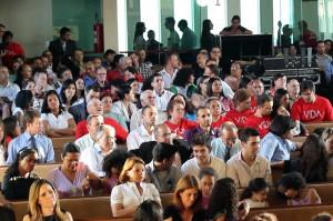 Duplas missionárias da 3ª e 4ª região reunidas na igreja central de Santo André