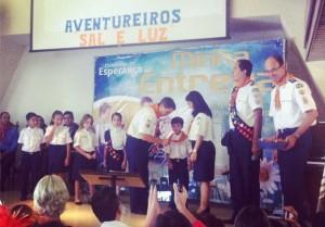 Dia Mundial dos Aventureiros é comemorado com investiduras e batismos
