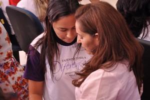 Cerca de 300 mulheres líderes do departamento da mulher e infantil participaram de seminários.