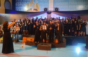 O evento recebeu a presença da Banda Diretriz com Evelyn Guimarães, Coral Jovem da Igreja de Campo Grande, e a apresentação especial do Coral Emusic.